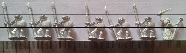 Miniatures - East Riding - FT68 Frogfolk with spears